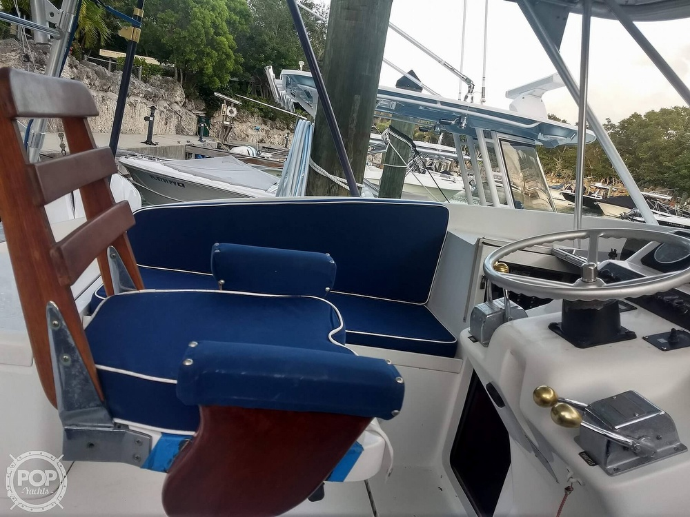 1994 Luhrs boat for sale, model of the boat is 290 Open & Image # 13 of 40