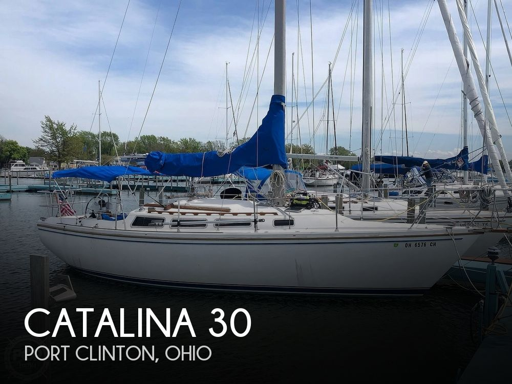 1984 Catalina Yachts boat for sale, model of the boat is 30 Tall Rig & Image # 1 of 1