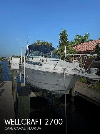 Used Wellcraft Boats For Sale in Cape Coral, Florida by owner | 1995 28 foot Wellcraft Martinique