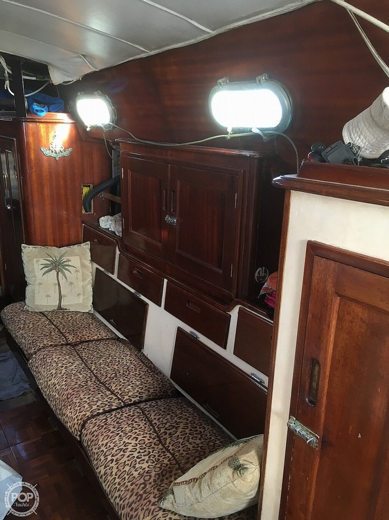 1968 Islander boat for sale, model of the boat is 44 & Image # 5 of 35