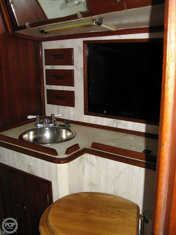 1968 Islander boat for sale, model of the boat is 44 & Image # 9 of 36