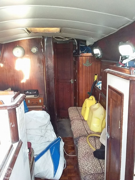 1968 Islander boat for sale, model of the boat is 44 & Image # 33 of 35