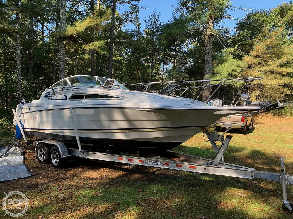 1994 Rinker boat for sale, model of the boat is Fiesta Vee 260 & Image # 2 of 40