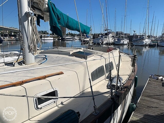 1976 Irwin boat for sale, model of the boat is 37-3 & Image # 10 of 40