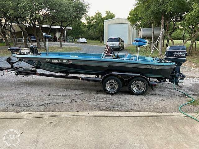 1991 Champion boat for sale, model of the boat is 201 DCR & Image # 11 of 40