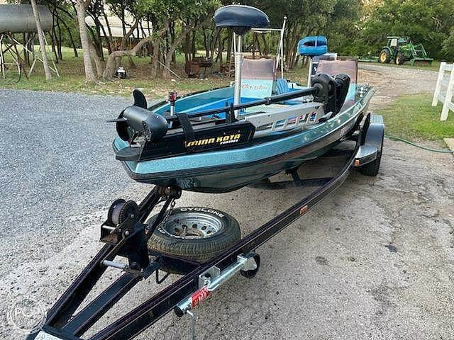 1991 Champion boat for sale, model of the boat is 201 DCR & Image # 16 of 40