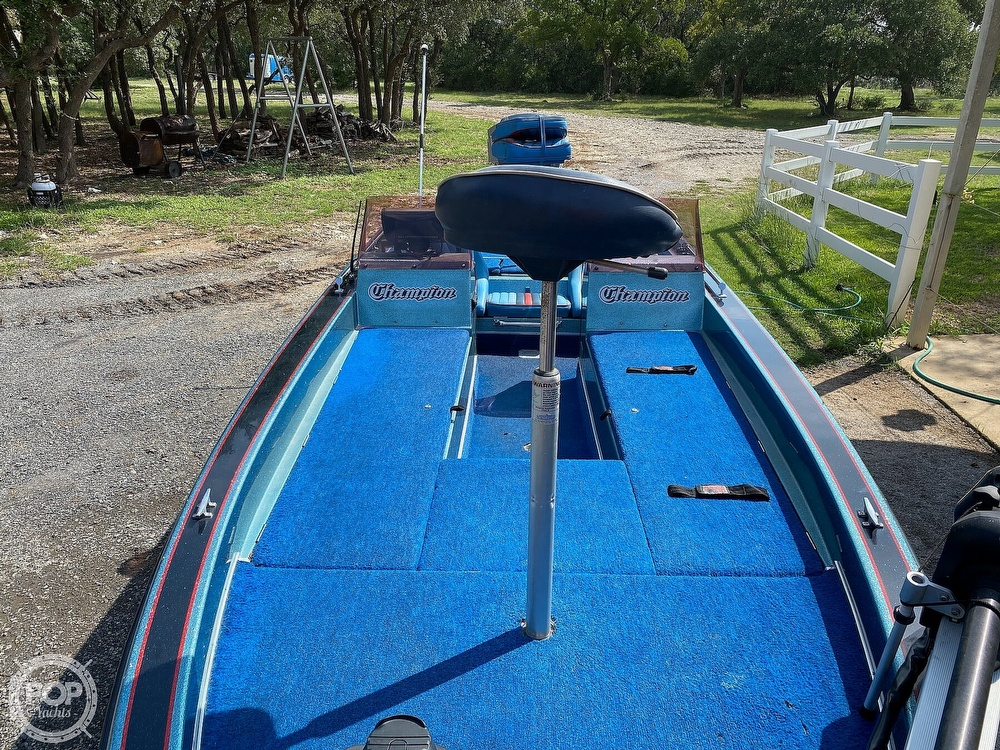 1991 Champion boat for sale, model of the boat is 201 DCR & Image # 23 of 40