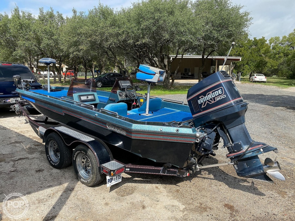 1991 Champion boat for sale, model of the boat is 201 DCR & Image # 2 of 40