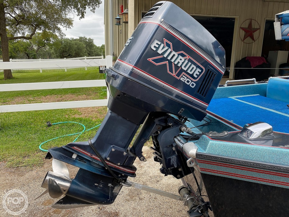 1991 Champion boat for sale, model of the boat is 201 DCR & Image # 24 of 40