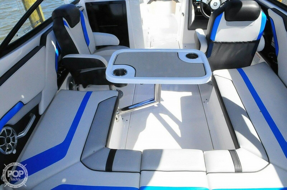 2020 Yamaha boat for sale, model of the boat is 242X E Series & Image # 15 of 40