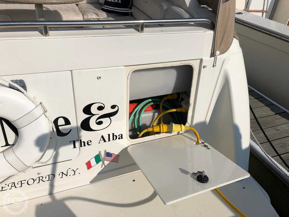 1999 Maxum boat for sale, model of the boat is 3000 SCR & Image # 12 of 40