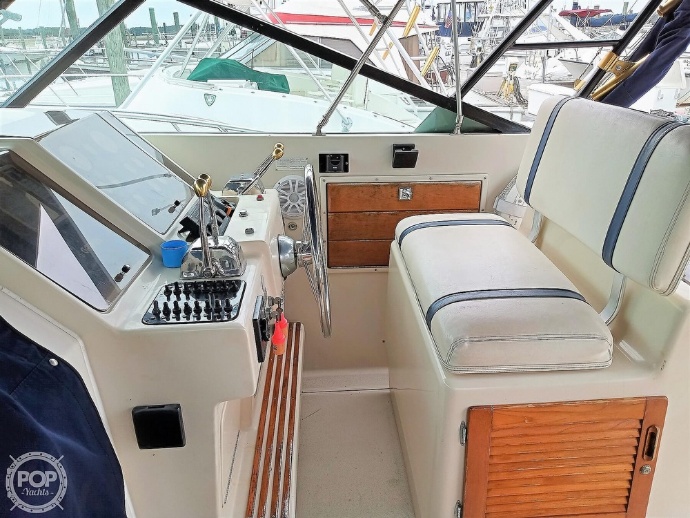 1985 Tiara Yachts boat for sale, model of the boat is 3600 Pursuit & Image # 35 of 40