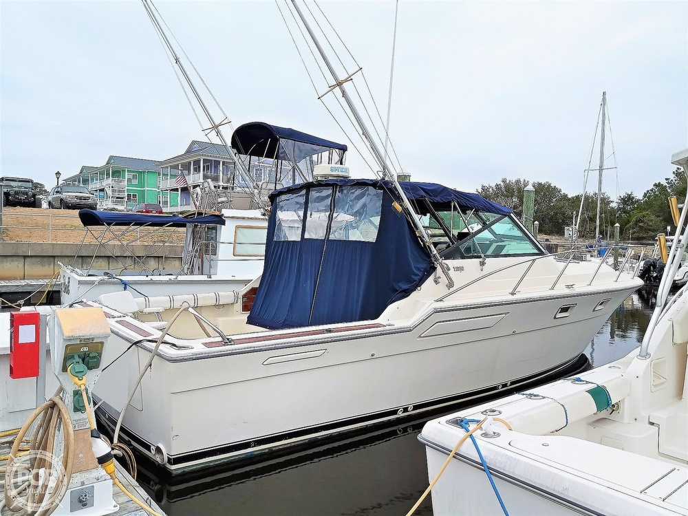 1985 Tiara Yachts boat for sale, model of the boat is 3600 Pursuit & Image # 3 of 40