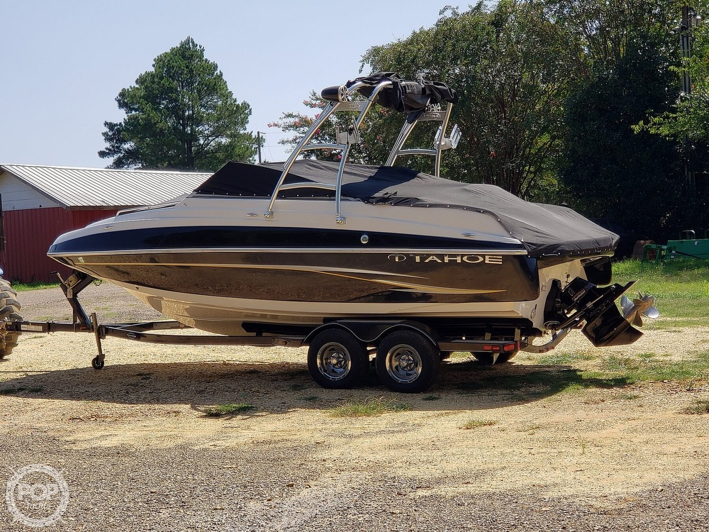 2011 Tahoe boat for sale, model of the boat is 228 Fish and Ski & Image # 2 of 9