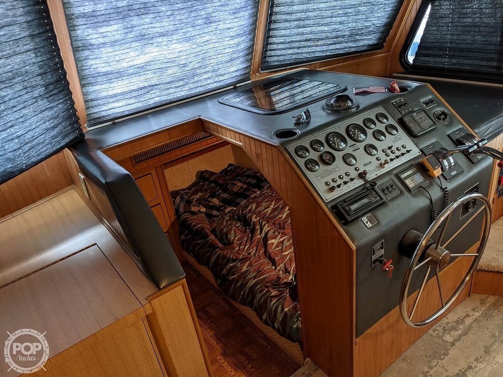 1993 Gibson boat for sale, model of the boat is 50 Sport Series & Image # 38 of 40