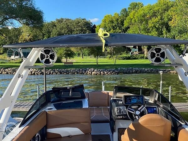 2018 Malibu boat for sale, model of the boat is 22MXZ & Image # 13 of 41