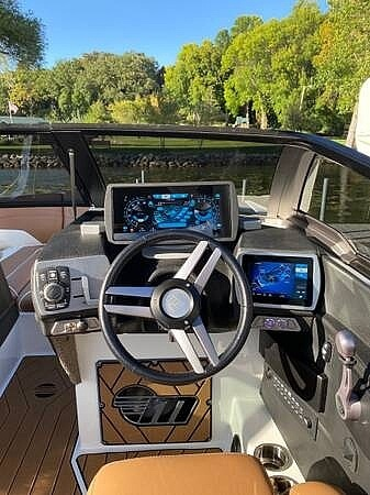 2018 Malibu boat for sale, model of the boat is 22MXZ & Image # 3 of 41