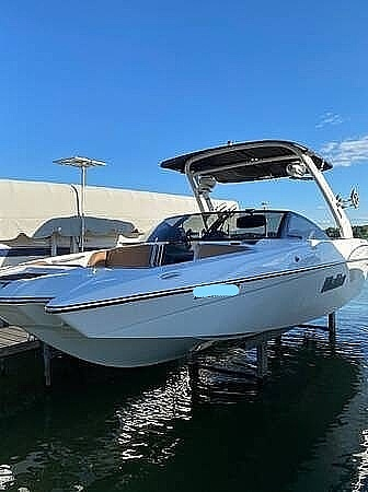 2018 Malibu boat for sale, model of the boat is 22MXZ & Image # 9 of 41
