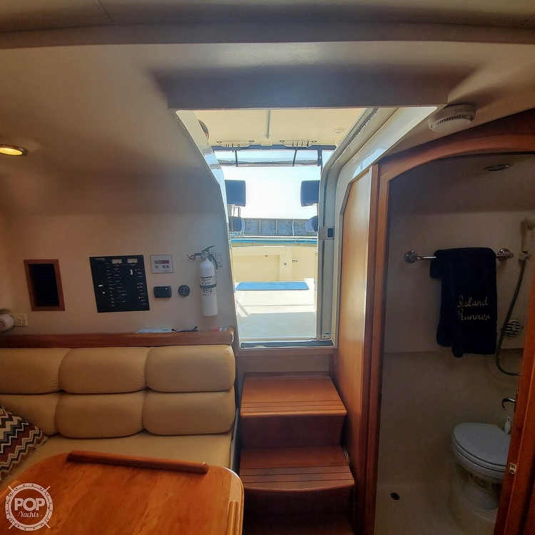 2005 Mainship boat for sale, model of the boat is 34 Pilot Sedan Rum Runner II & Image # 4 of 40