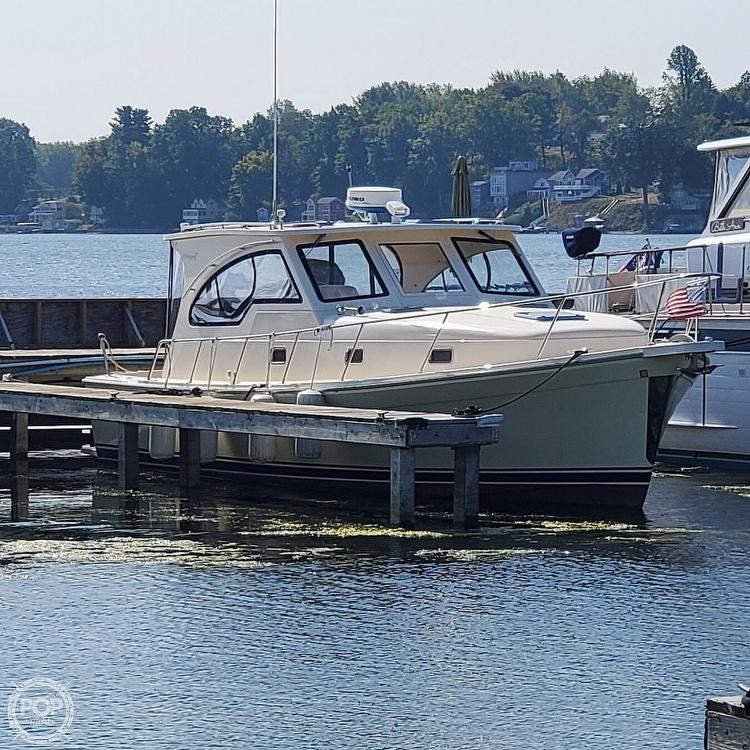 2005 Mainship boat for sale, model of the boat is 34 Pilot Sedan Rum Runner II & Image # 5 of 40