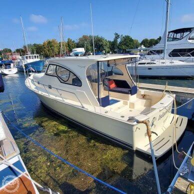 Mainship 34 Pilot Sedan Rum Runner II, 34, for sale - $155,888