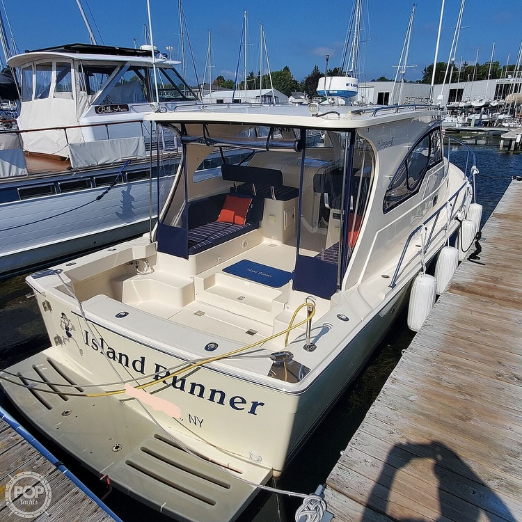 2005 Mainship boat for sale, model of the boat is 34 Pilot Sedan Rum Runner II & Image # 10 of 40