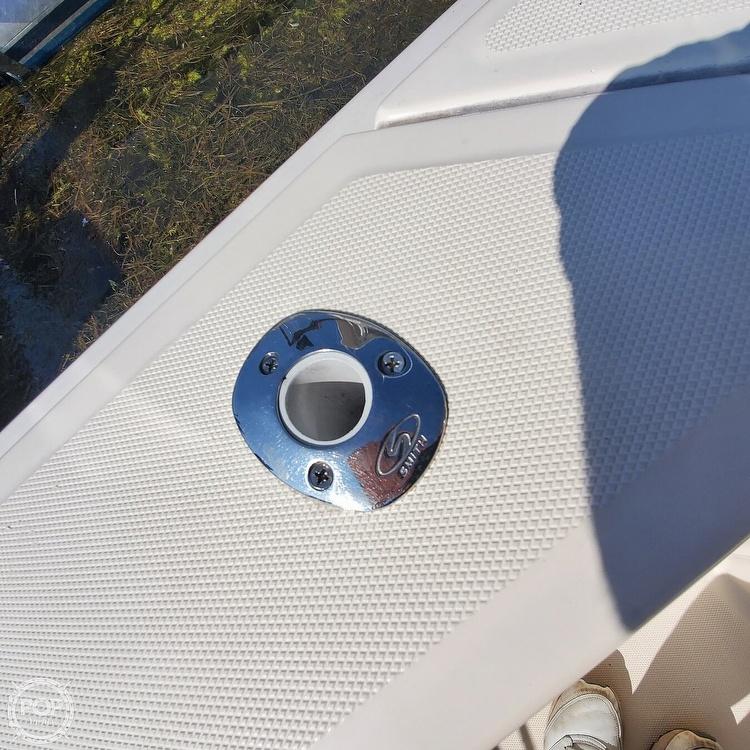 2005 Mainship boat for sale, model of the boat is 34 Pilot Sedan Rum Runner II & Image # 32 of 40