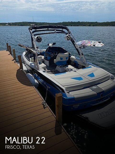 Used Ski Boats For Sale in Texas by owner | 2015 Malibu Wakesetter 22 VLX
