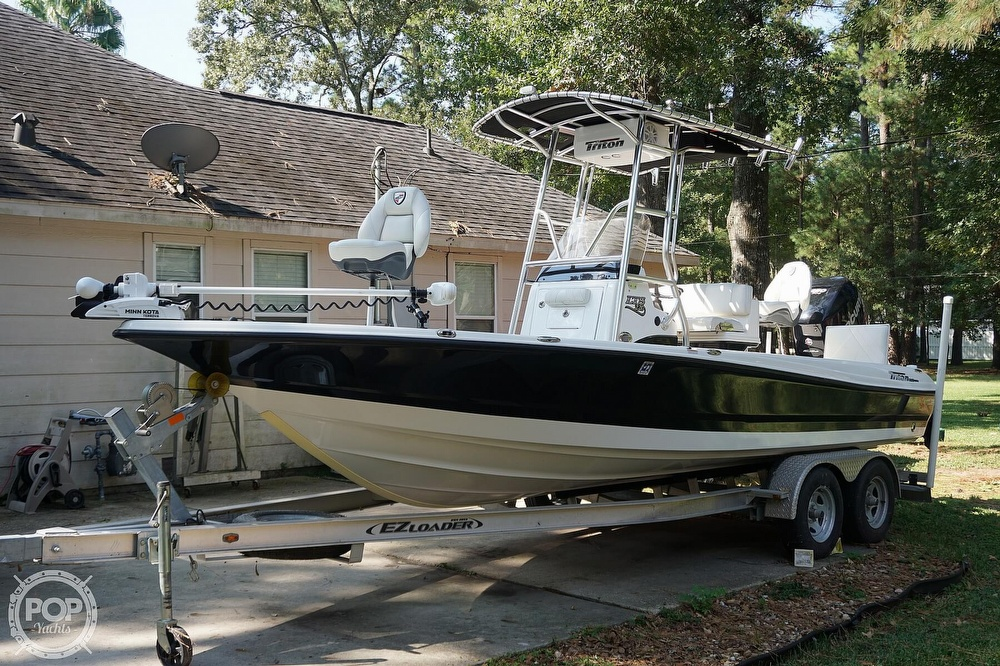 2018 Triton boat for sale, model of the boat is 220 LTS Pro Tournament Edition & Image # 2 of 40