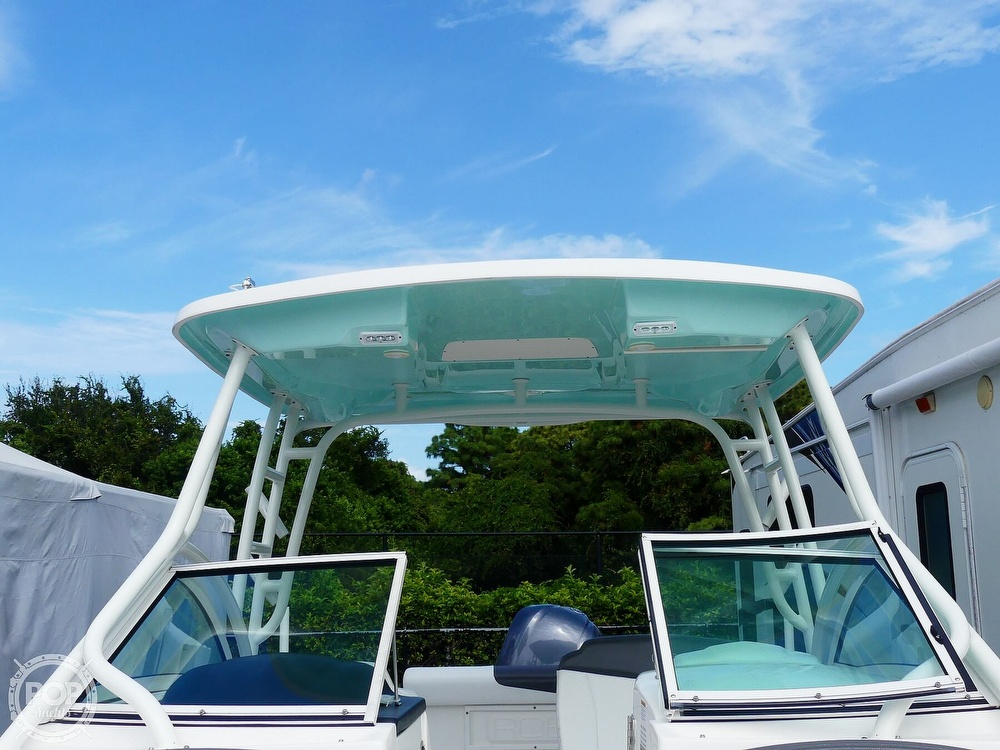 2018 Robalo boat for sale, model of the boat is R247 & Image # 13 of 40