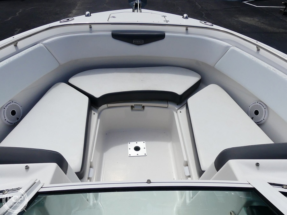 2018 Robalo boat for sale, model of the boat is R247 & Image # 10 of 40