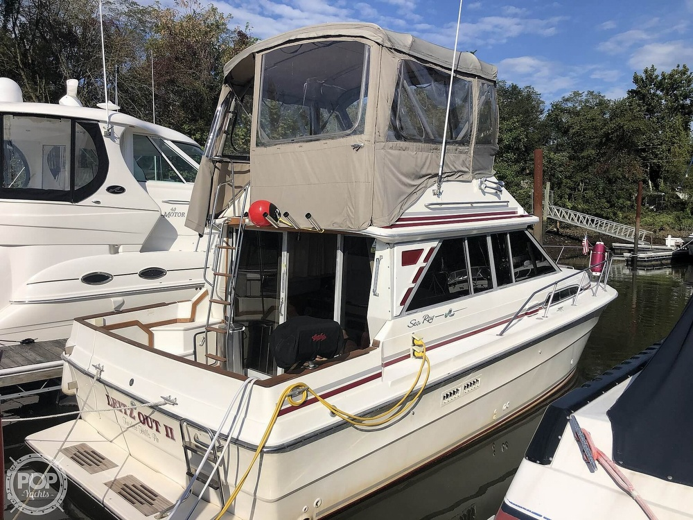 1987 Sea Ray boat for sale, model of the boat is 340 SDB & Image # 21 of 40