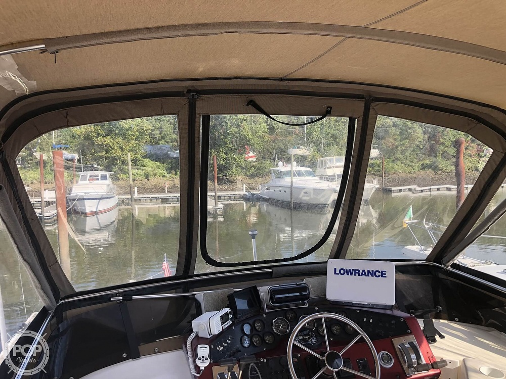 1987 Sea Ray boat for sale, model of the boat is 340 SDB & Image # 25 of 40
