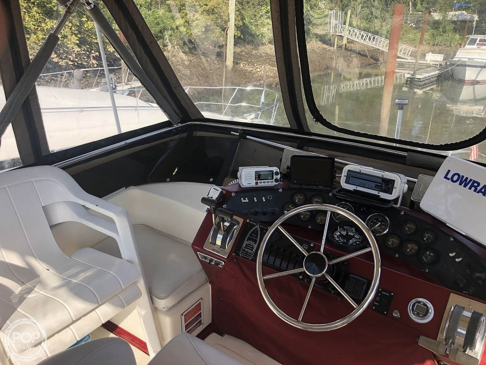1987 Sea Ray boat for sale, model of the boat is 340 SDB & Image # 35 of 40