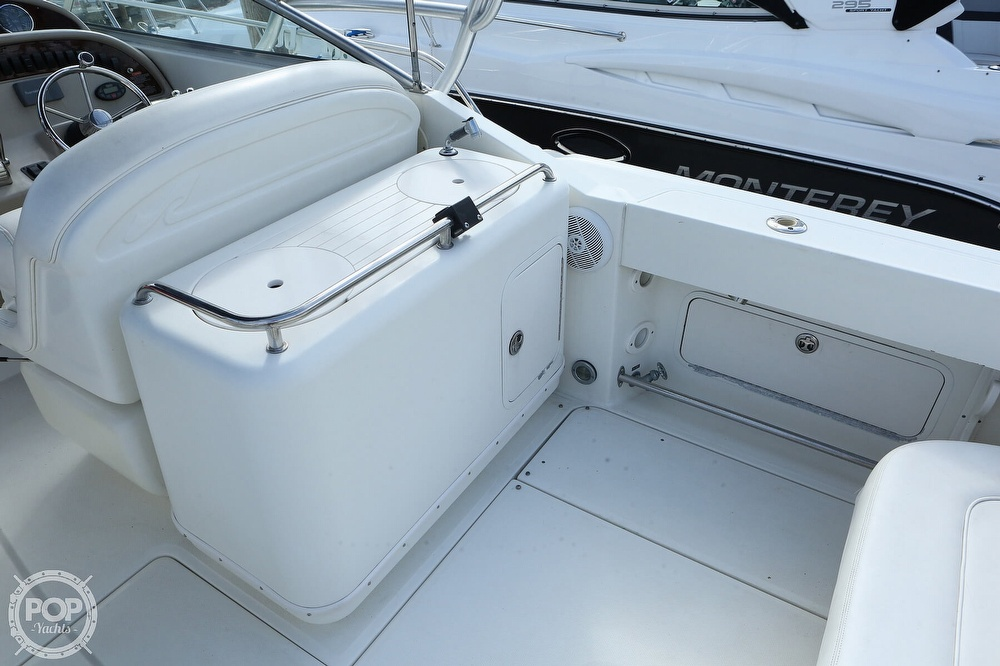 2004 Sea Ray boat for sale, model of the boat is 290 Amberjack & Image # 36 of 40