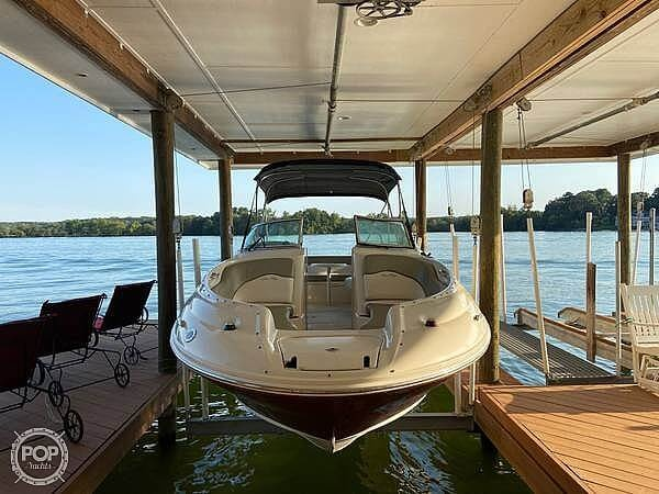2006 Sea Ray boat for sale, model of the boat is 240 Sundeck & Image # 2 of 40