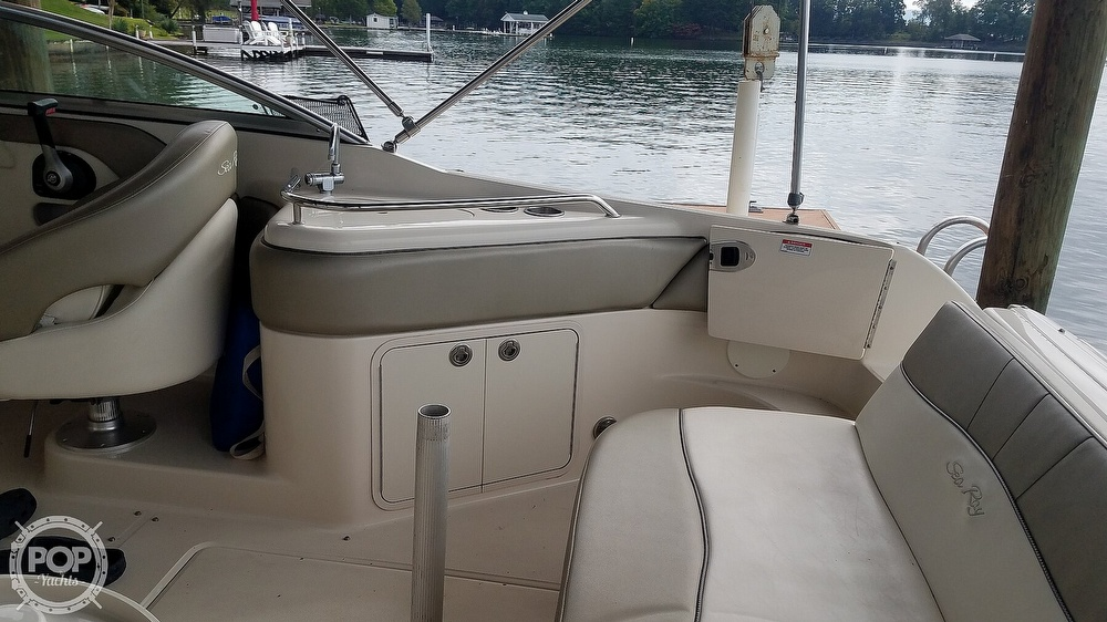 2006 Sea Ray boat for sale, model of the boat is 240 Sundeck & Image # 33 of 40