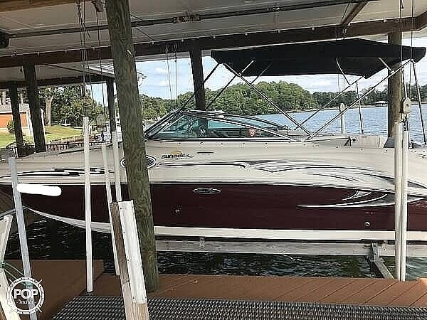 2006 Sea Ray boat for sale, model of the boat is 240 Sundeck & Image # 5 of 40
