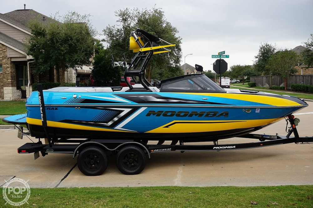 2017 Moomba boat for sale, model of the boat is Craz Surf Edition & Image # 11 of 40