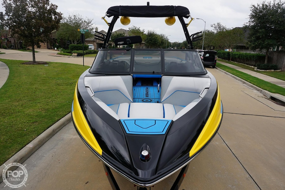 2017 Moomba boat for sale, model of the boat is Craz Surf Edition & Image # 13 of 40