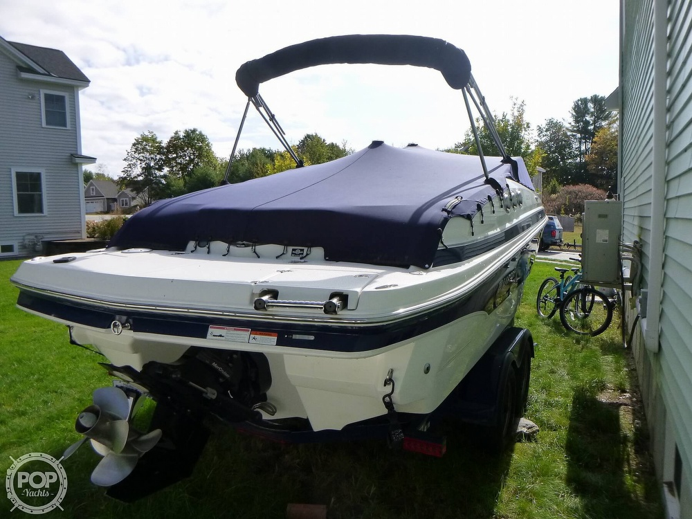 2011 Larson boat for sale, model of the boat is 238 LXi & Image # 12 of 40