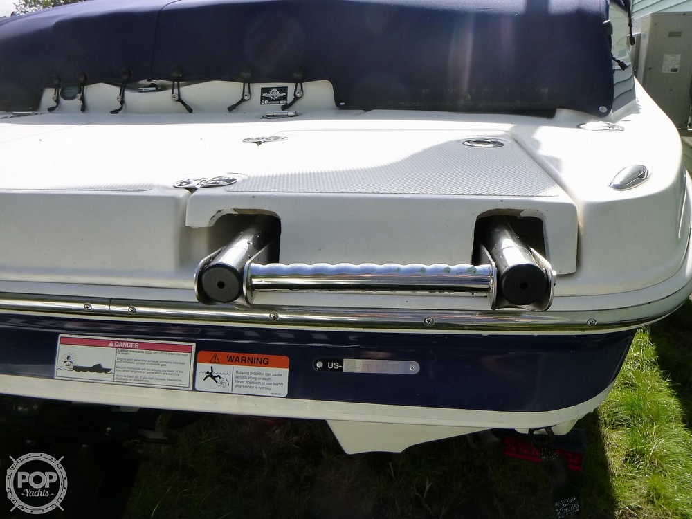 2011 Larson boat for sale, model of the boat is 238 LXi & Image # 14 of 40