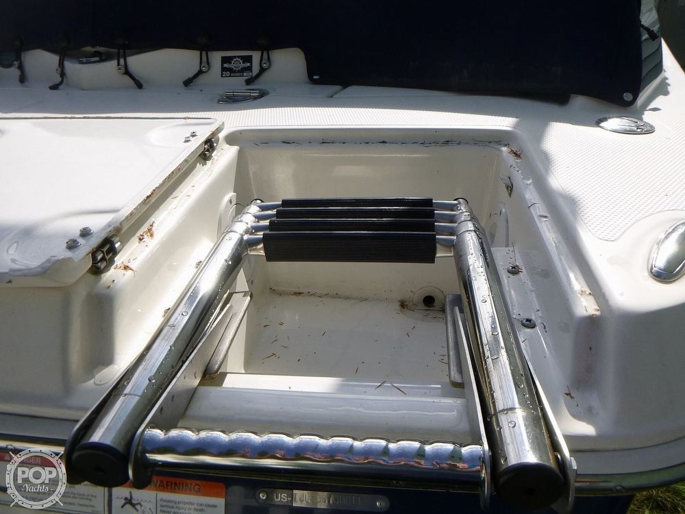 2011 Larson boat for sale, model of the boat is 238 LXi & Image # 16 of 40