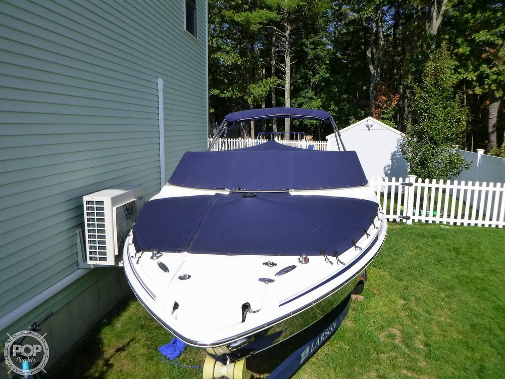 2011 Larson boat for sale, model of the boat is 238 LXi & Image # 25 of 40