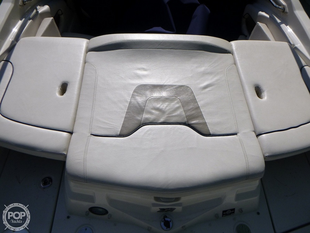 2011 Larson boat for sale, model of the boat is 238 LXi & Image # 31 of 40