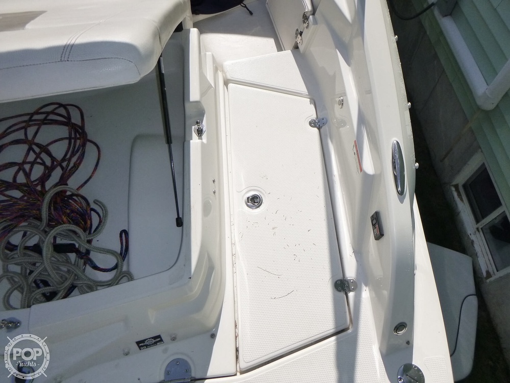 2011 Larson boat for sale, model of the boat is 238 LXi & Image # 35 of 40