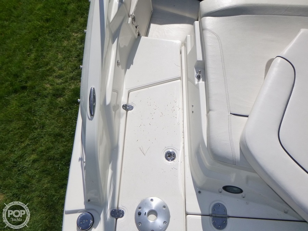 2011 Larson boat for sale, model of the boat is 238 LXi & Image # 37 of 40