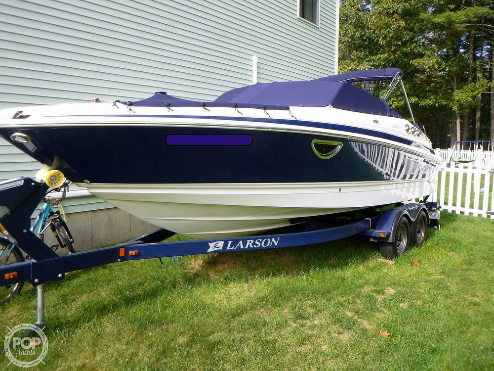 2011 Larson boat for sale, model of the boat is 238 LXi & Image # 2 of 40