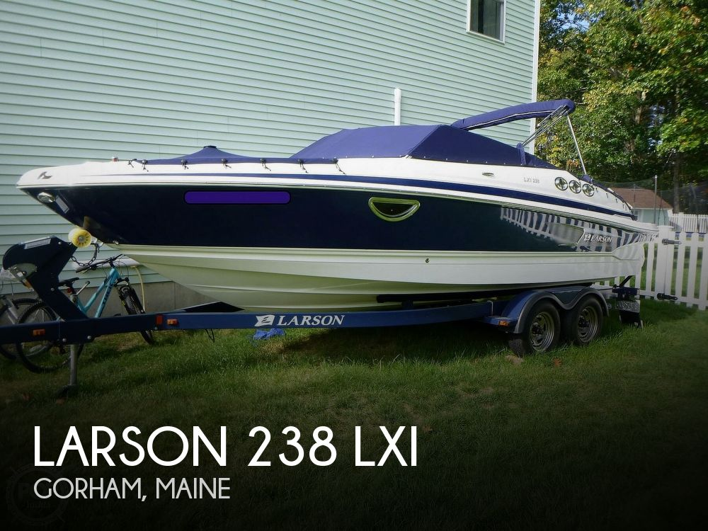 2011 Larson boat for sale, model of the boat is 238 LXi & Image # 1 of 40