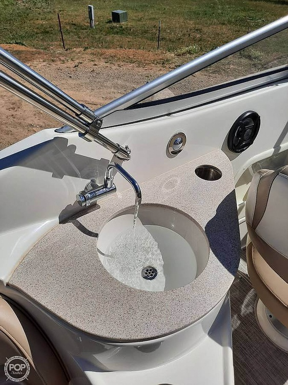 2016 Stingray boat for sale, model of the boat is 250CR & Image # 28 of 41